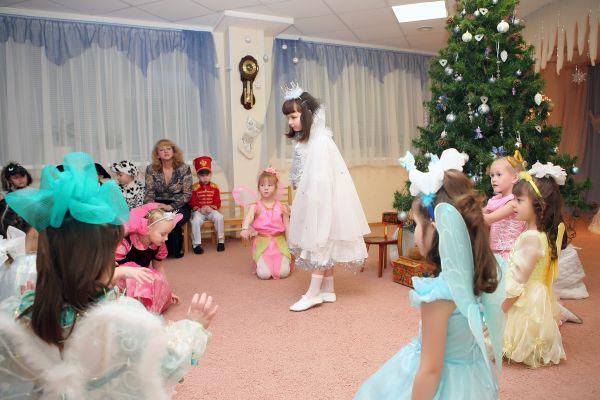 Новогодние утренники во всех возрастных группах детского сада 26, город Кириши